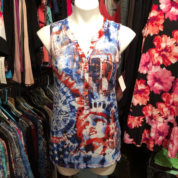 Onque Casuals Tops - 🆕Onque Casual red white & blue tank style top